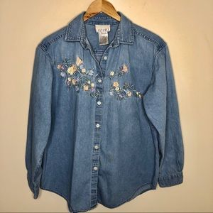 Tops - Vintage Casey & Max Embroidered Button Down Shirt
